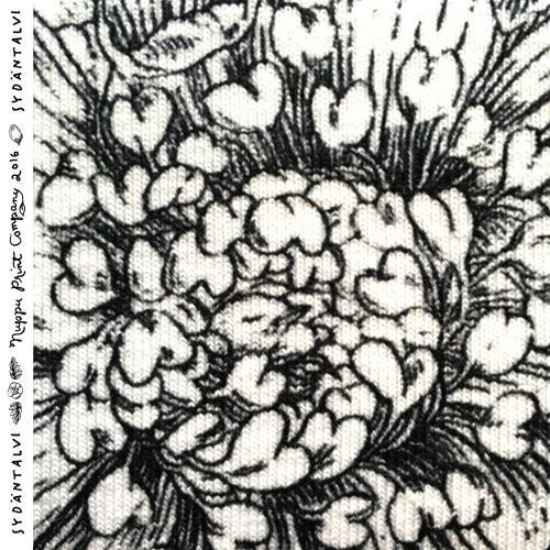 Sydäntalvi luomutrikoo, mustavalkoinen